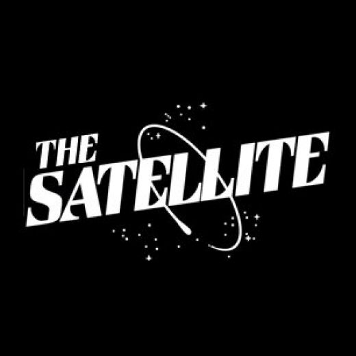 DJ Hot Tub Johnnie at The Satellite with Hilltop Hoods performing Live!