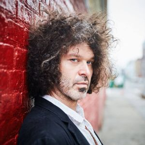 Doyle Bramhall II - Mama Can't Help You (Music Video)
