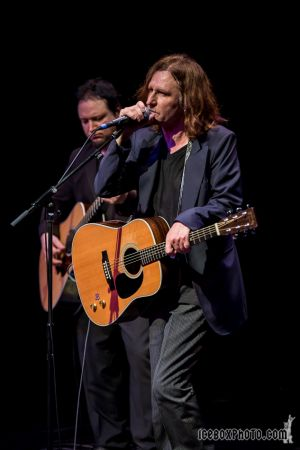 Concert Review & Photos - John Waite