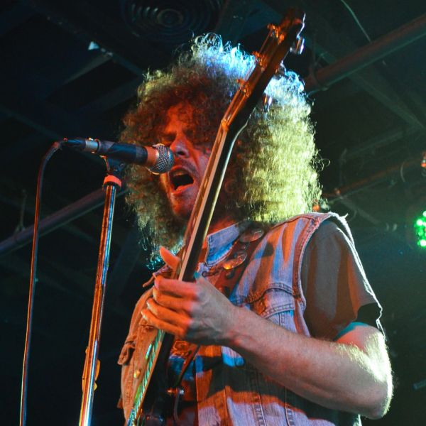 CONCERT REVIEW: WOLFMOTHER @ THE STONE PONY, ASBURY PARK, NJ, 6/11