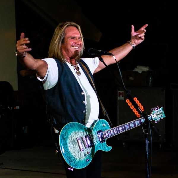 CONCERT REVIEW:  FOGHAT @ ROUTE 66 CRUISIN' REUNION, ONTARIO, 9/21