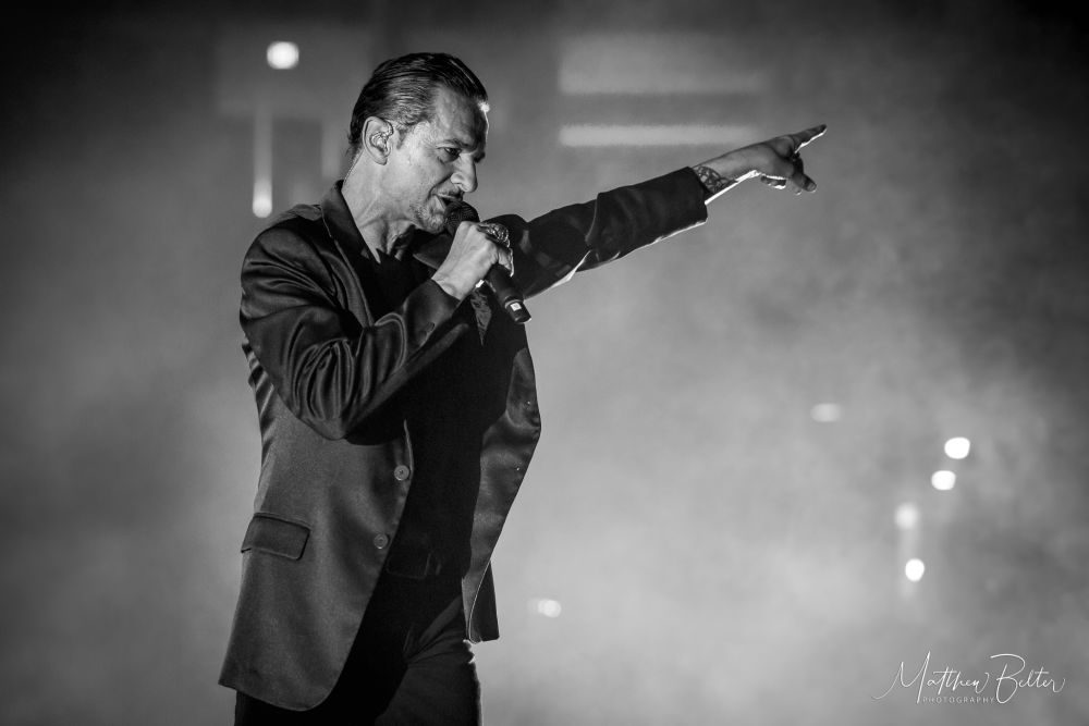 CONCERT REVIEW:  DEPECHE MODE @ THE HONDA CENTER, ANAHEIM, CA (05.22.18)