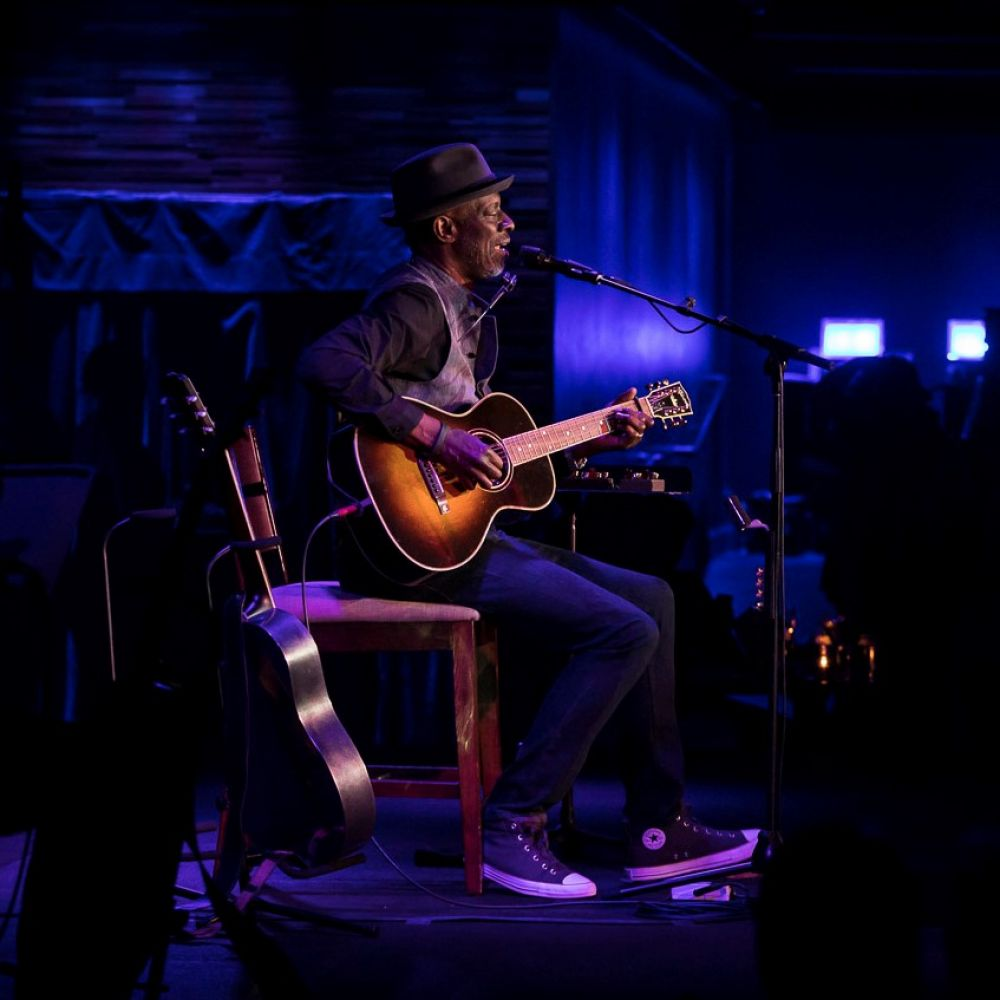 CONCERT REVIEW:  KEB' MO' @ THE BLUE NOTE, HONOLULU, 8/23